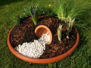 Easter garden 03