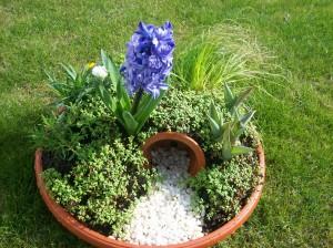 Easter garden 04